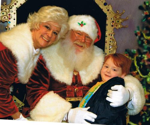 Collin with Santa & Mrs. Clause @ Children's Hospital in Birmingham.  12/12/08
