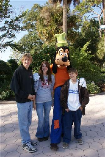 Tucker,Katie and Taylor with Goofy, Wish Trip 2009