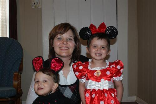 Mommy with Mickey and Minne!
